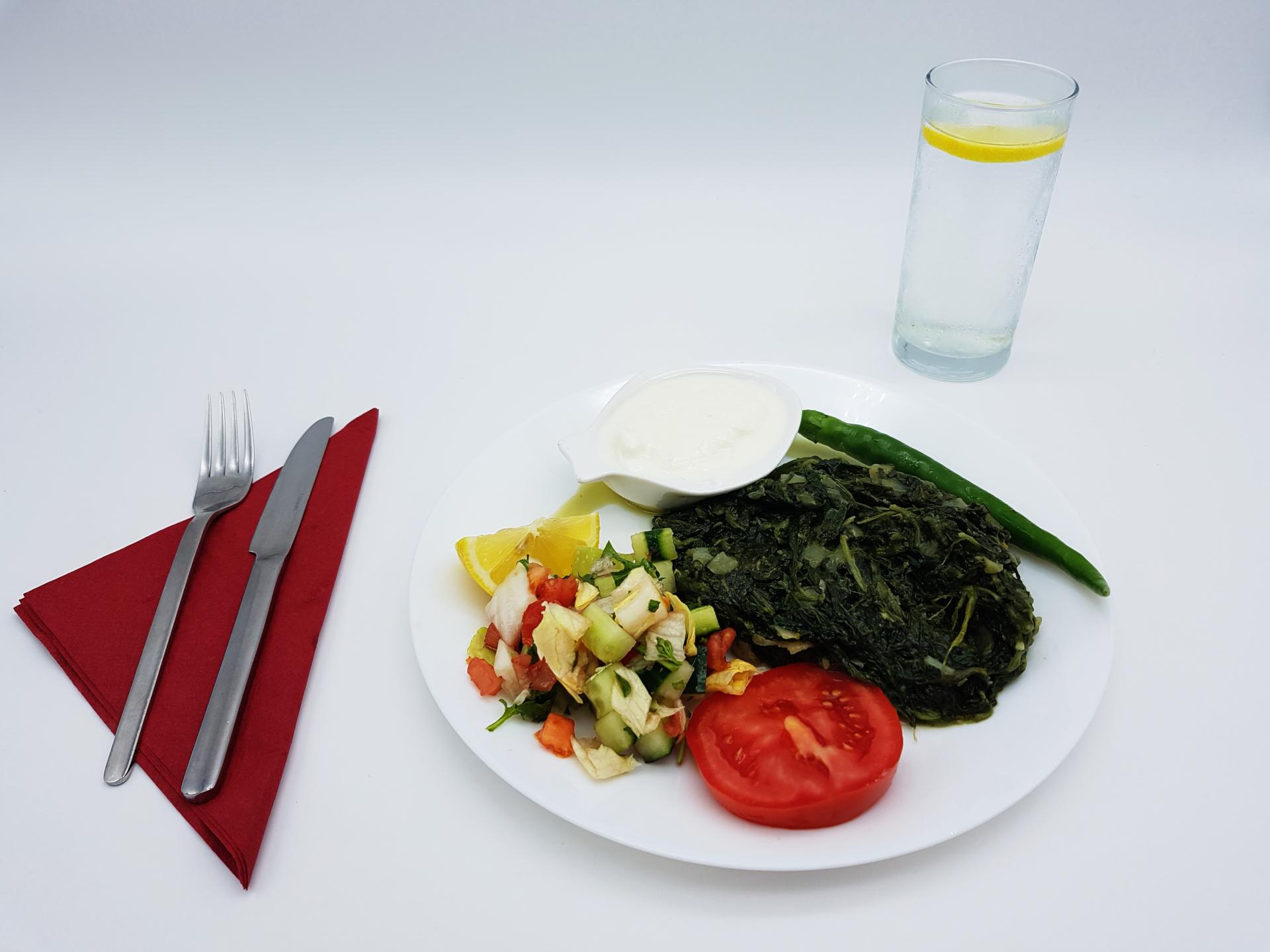 Sie haben die Möglichkeit leckeren Spinat bei uns im Restaurant Kabul in Wuppertal zu essen.